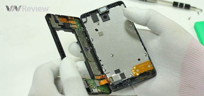 VnReview mổ smartphone giá rẻ Nokia X
