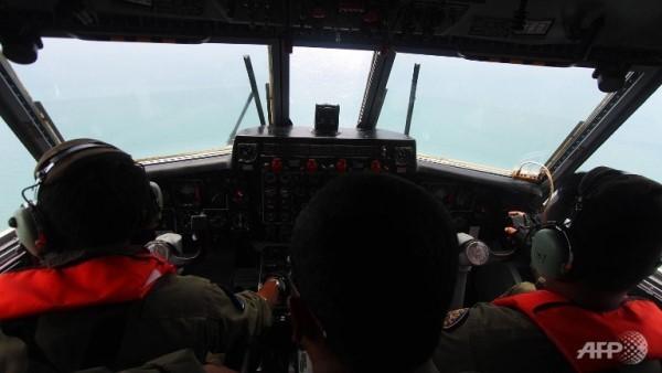 Điều gì khiến MH370 đổi hướng, ngắt liên lạc và biến mất?