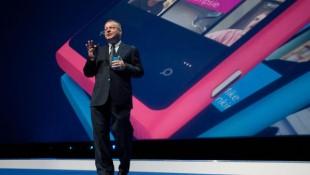 Thương vụ Microsoft mua lại Nokia đã bị trì hoãn