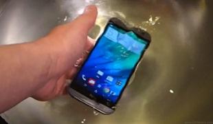 HTC One M8 thử sức với khả năng chịu nước, chịu lực