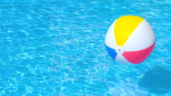 """Cảnh báo: """"Tè bậy"""" trong bể bơi rất có hại cho sức khỏe!"""