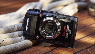 Olympus ra máy ảnh du lịch siêu bền