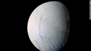 Phát hiện đại dương ngầm trên mặt trăng Enceladus của Sao Thổ
