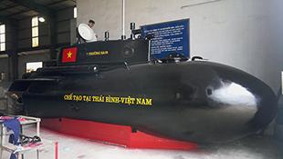 Tàu ngầm Trường Sa thay áo mới, chuẩn bị ra biển