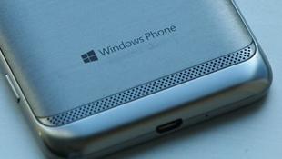 ATIV Core: dế tầm trung của Samsung chạy Windows Phone 8.1