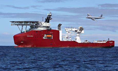 """Thủ tướng Úc """"rất tự tin"""" tín hiệu là từ hộp đen MH370"""