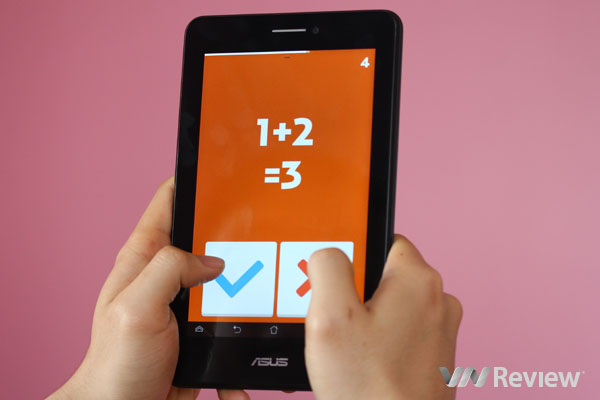 On Asus Fonepad 7 dual sim hand
