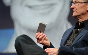 Apple muốn tăng giá iPhone thêm 100 USD nữa