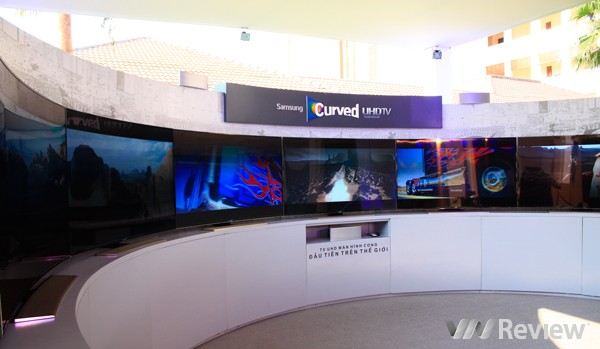 Samsung công bố TV màn hình cong UHD đầu tiên trên thế giới tại Việt Nam