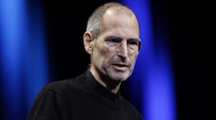 """Lãnh đạo Samsung: Cái chết của Steve Jobs là """"cơ hội tốt nhất để tấn công iPhone"""""""
