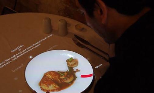 Chọn thực đơn nhà hàng bằng cách... xoay đĩa chọn món!