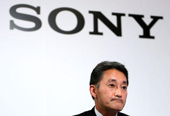 Ngay cả khi máy chơi game PlayStation 4 đã có khởi đầu hết sức thuận lợi và dòng smartphone Xperia đang ngày càng thành công, tình hình của Sony vẫn không có chiều hướng tốt hơn