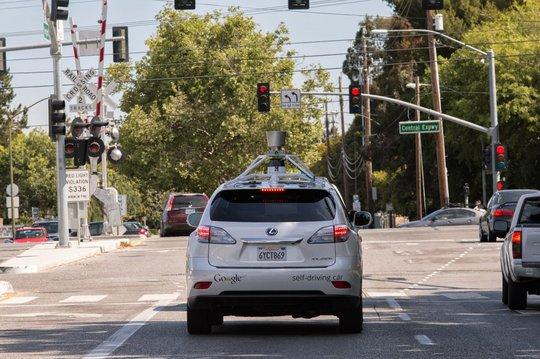 Video: Trải nghiệm công nghệ xe tự lái của Google