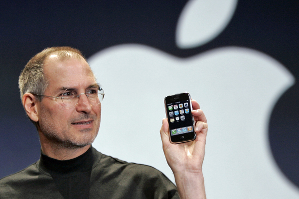 """Trong 3 năm liền, cuộc chiến giữa Samsung và Apple đã trở thành cuộc chiến lớn nhất về quy mô và chi phí trong lịch sử điện toán toàn cầu. Hãy cùng điểm qua những chi tiết thú vị trong cuộc chiến """"4 châu, 1 tỷ đô"""" này."""