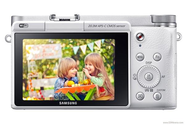 Samsung trình làng máy ảnh không gương lật NX3000