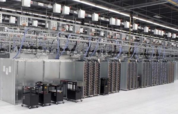 Các văn bản rò rỉ khẳng định rằng NSA đang cố tình cài đặt mã độc vào các thiết bị mạng sản xuất tại Mỹ trước khi chúng được xuất khẩu ra nước ngoài.