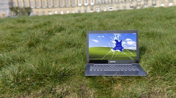 Ngay sau khi Windows XP vừa kịp kết thúc vòng đời 13 năm của mình, Microsoft lên tiếng cảnh báo rằng cả Windows Vista và Windows 7 đều đang gặp rủi ro mã độc lớn hơn cả XP lẫn các phiên bản Windows 8.