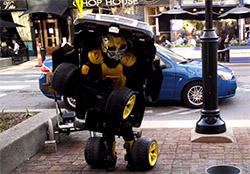 Cận cảnh robot Transformers phiên bản... người thật