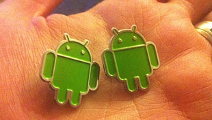 Cặp LG Android 4.0 lộ diện trước thềm MWC 2012