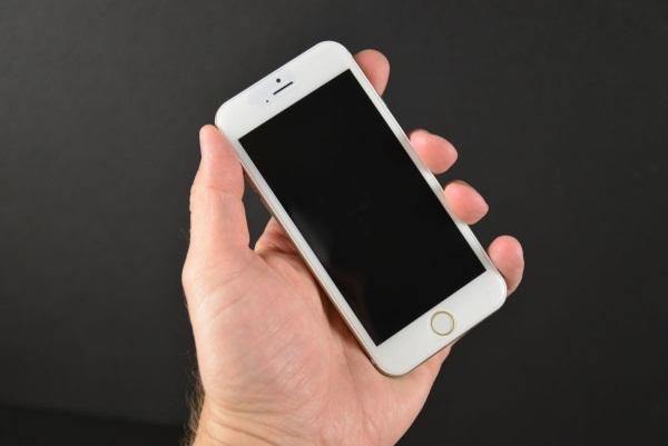 iPhone 6 đọ dáng cùng đại gia đình iPhone và Samsung Galaxy S5, HTC One M8