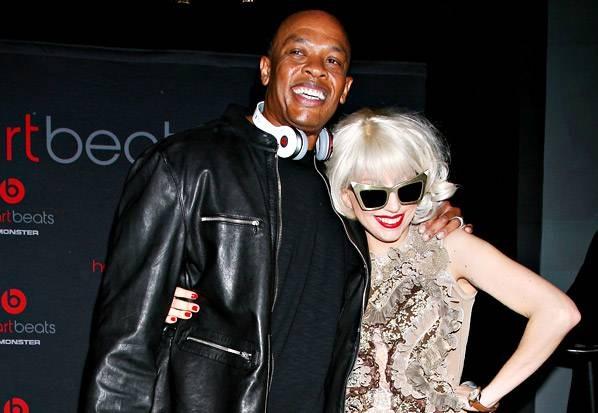 """iWatch sẽ là một sản phẩm """"thời trang công nghệ"""", và không có một ai hiểu rõ cách kết hợp thời trang và công nghệ như Jimmy Iovine và Dr. Dre."""