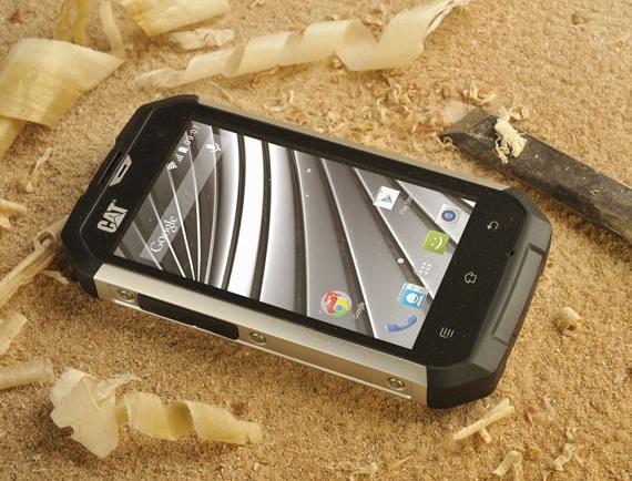 Smartphone Android siêu bền CAT B15Q sẽ được phân phồi toàn cầu