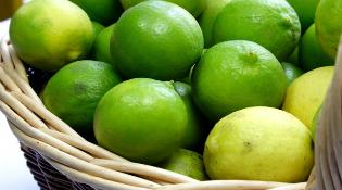 Trung Quốc tuồn sang Việt Nam gần 300 tấn hoa quả nhiễm độc