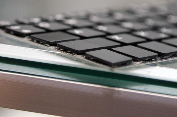Bên cạnh vi xử lý Core M của Intel, một công nghệ bàn phím mới sử dụng nam châm sẽ giúp tạo ra những chiếc laptop (và tablet lai) mỏng hơn, tuổi đời dài hơn và tiện dụng hơn bàn phím thông thường.