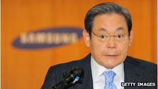 Chủ tịch Samsung bị anh trai kiện đòi tiền thừa kế