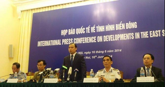Lãnh đạo cấp cao Trung Quốc tới Hà Nội thảo luận về biển Đông