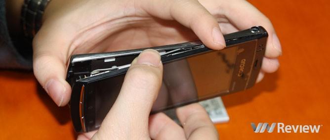Hkphone X8-3G thực chất giá bao nhiêu?