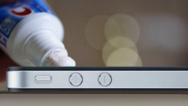 8 cách loại bỏ vết xước trên smartphone, tablet