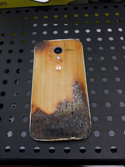 Moto X Motorola cháy gỗ