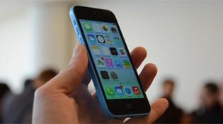 iPhone 5C chính hãng hạ giá mạnh còn 8,5 triệu đồng