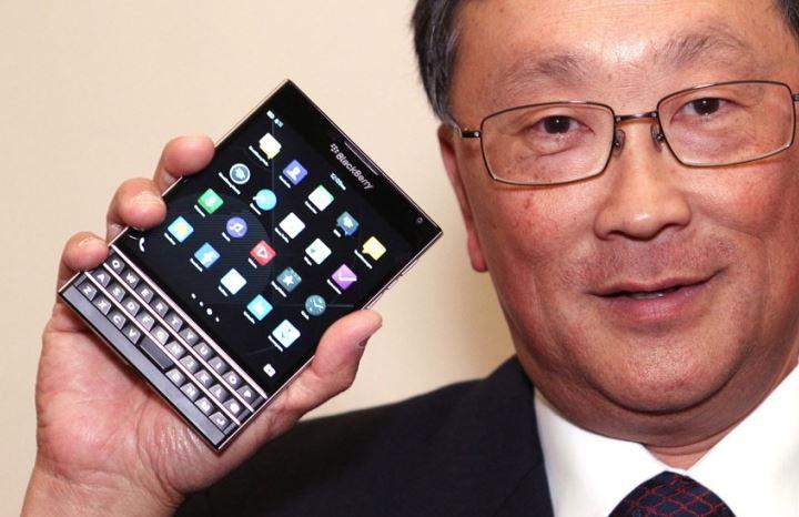 Ai được hưởng lợi từ thiết kế của BlackBerry Passport?