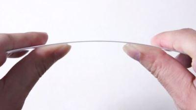 Màn hình sapphire của iPhone 6 có thể uốn cong như G Flex