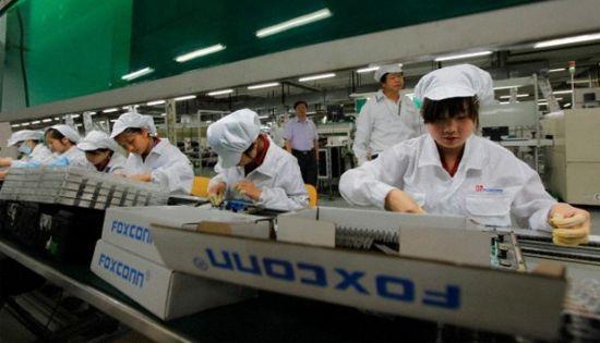 Foxconn phủ nhận tin đồn thay thế công nhân bằng robot