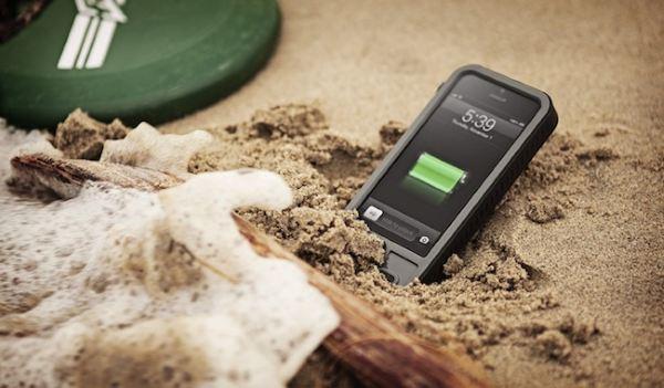 Kéo dài gấp ba lần thời lượng pin smartphone, tablet bằng... cát