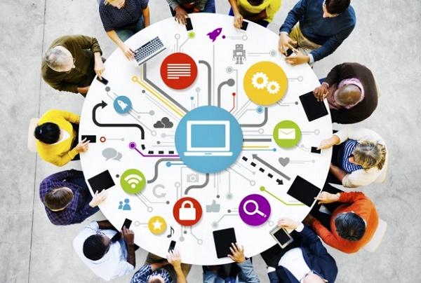 Open Interconnect Consortium của Intel và Samsung sẽ cạnh tranh trực tiếp với Liên minh AllSeen do Qualcomm dẫn đầu trong việc định hình các tiêu chuẩn cho IoT.