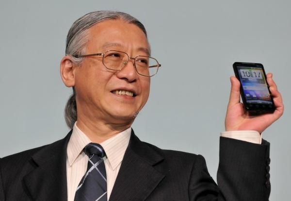 Theo một báo cáo gần đây, cuối năm nay hai giám đốc điều hành cao cấp của HTC, Giám đốc tiếp thị (CMO) Ben Ho và Chủ tịch Kỹ thuật và Vận hành Fred Liu, sẽ rời khỏi công ty. HTC vẫn chưa công khai tuyên bố những thay đổi này.
