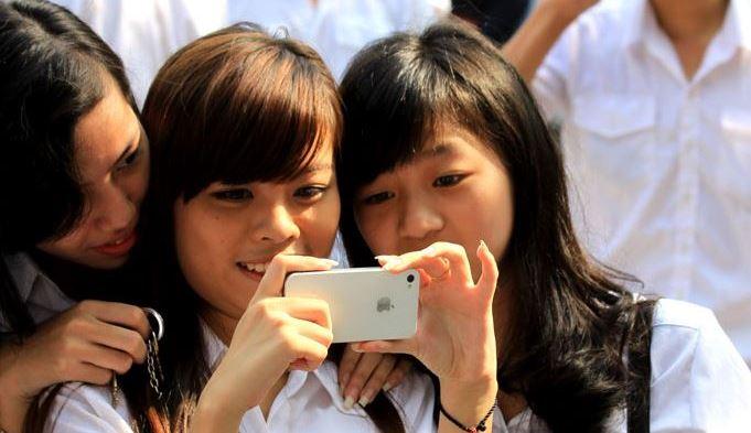 """Thói """"sính"""" iPhone của người Việt lên báo quốc tế"""