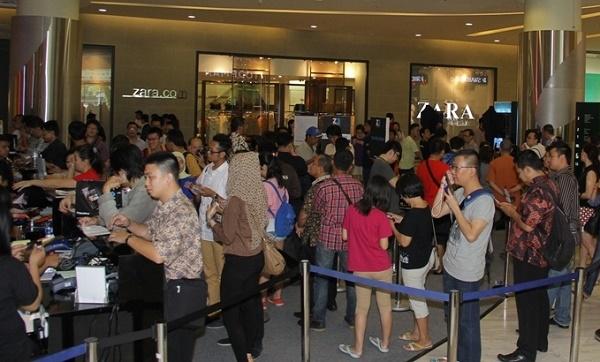 """Khi thị phần của BlackBerry tại hầu hết các thị trường lớn đều đã sụt giảm tới mức dưới 1%, Dâu đen vẫn còn một """"thành trì"""" quan trọng: Indonesia. Tuy vậy, BlackBerry sẽ sớm phải đối đầu với một đối thủ sừng sỏ khác, một tên tuổi đã từng gây cả khó khăn cho Samsung."""