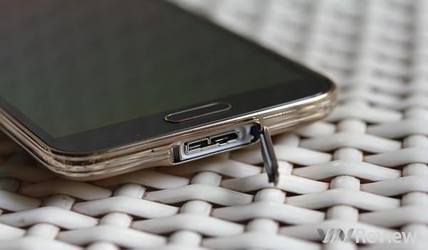 Cận cảnh Samsung Galaxy S5 bản hai SIM