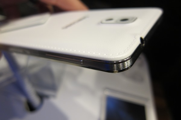 Galaxy Note 4 kim loại vỏ