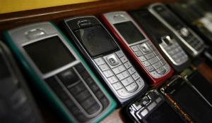 Nokia phủ nhận tin ngừng bán điện thoại phổ thông tại Việt Nam