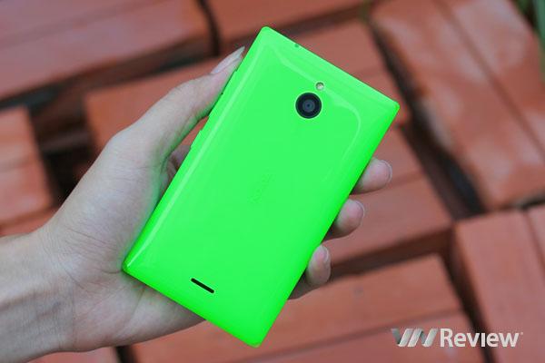 Trên tay điện thoại Nokis X2