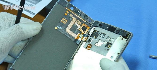 """Mổ smartphone """"mỏng nhất thế giới"""" Gionee Elife S5.5"""