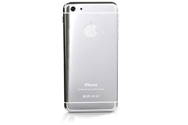 Dù chiếc iPhone 6 sẽ phải đợi tới tháng 9 mới ra mắt chính thức, công ty xa xỉ phẩm Brikk đã cho phép người dùng đặt hàng các phiên bản iPhone 6 mạ vàng hoặc bạch kim với logo kim cương ở mức giá… trên trời.