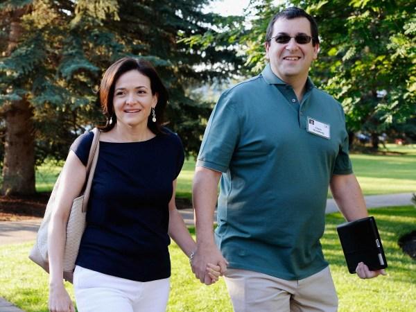 Sheryl Sandberg, người phụ nữ quyền lực đằng sau thành công của Facebook là ai?