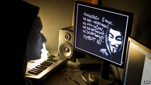 Interpol bắt 25 thành viên Anonymous